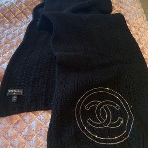 100% Authentic CHANEL Cashmere Chain CC Scarf